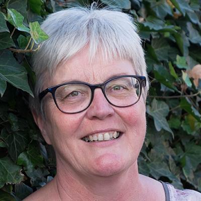 Zorgen voor een naaste - Wijkverpleegkundige dementie Tineke van den Berg Icare V&V